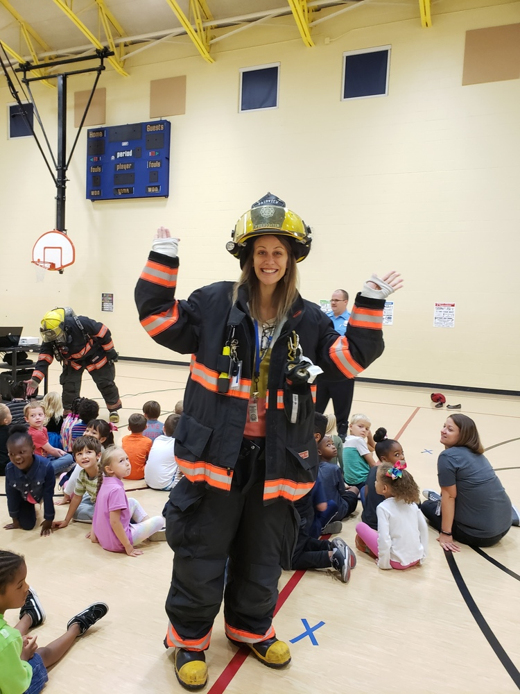 FHFD visit Illini Elementary School during fire prevention week.